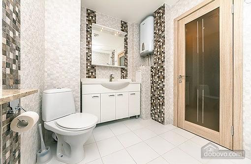 Свіжа квартира в центрі, 2-кімнатна (40178), 009