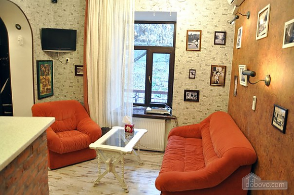 Apartment with two separate bedrooms and a living room-studio for 6 people, Due Camere (30728), 017
