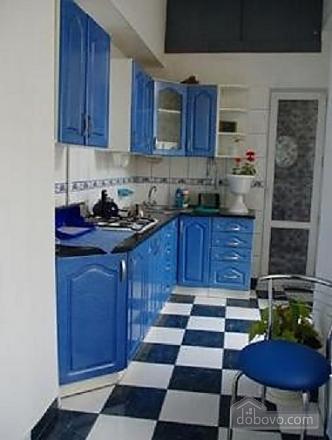 Near Rynok Square, Two Bedroom (89435), 011