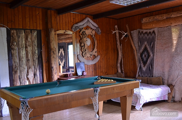 Forrest nut manor, Five Bedroom (88753), 005