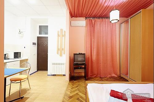 Центр Львова, 1-комнатная (82823), 009