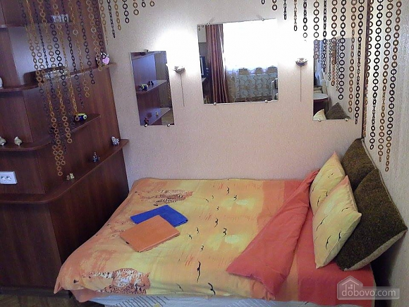 Cozy apartment in the center of Kherson, Studio (65801), 001