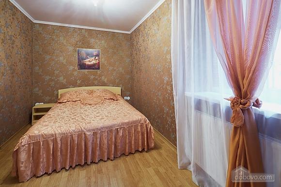 Апартаменти на площі Ринок, 2-кімнатна (90890), 001