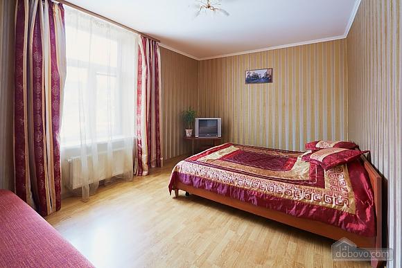 Апартаменти на площі Ринок, 2-кімнатна (90890), 002