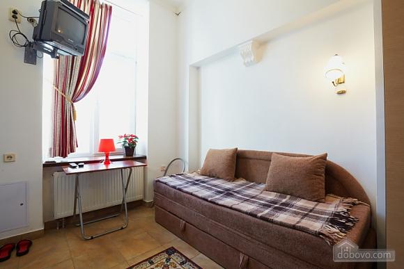 Apartment in the city center, Studio (57410), 002