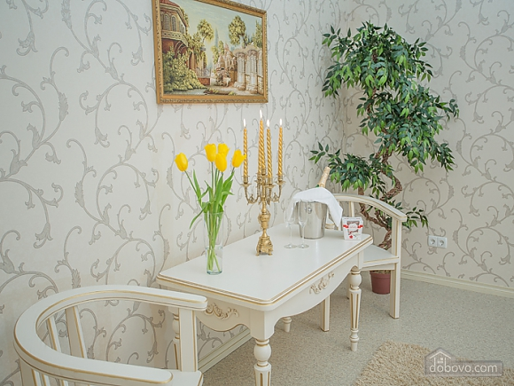 VIP-апартаменты, 1-комнатная (40309), 002
