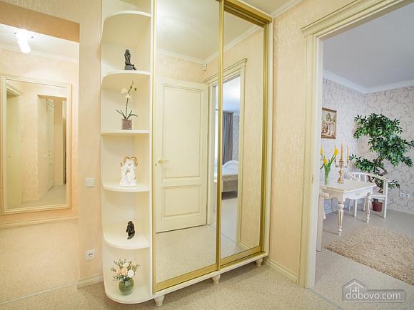 VIP-апартаменты, 1-комнатная (40309), 005