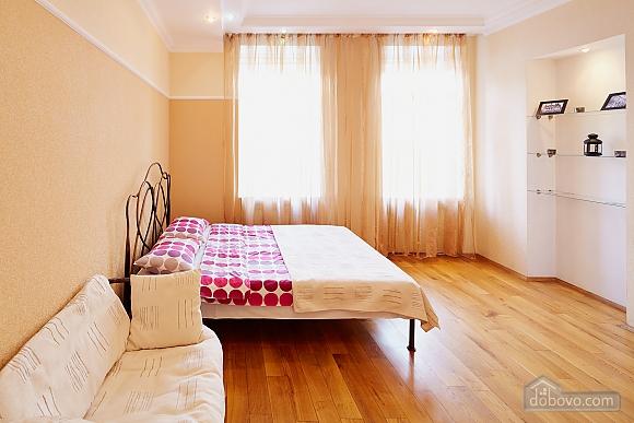 Романтична квартира біля Оперного театру, 1-кімнатна (48385), 003