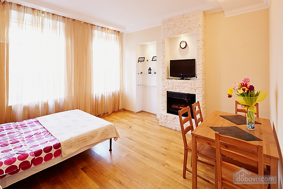 Романтична квартира біля Оперного театру, 1-кімнатна (48385), 004