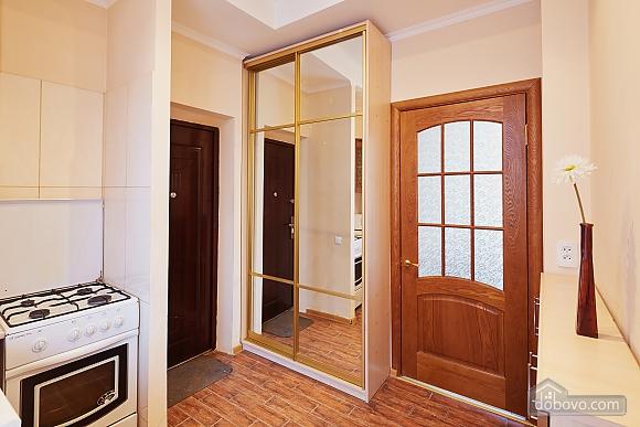 Романтична квартира біля Оперного театру, 1-кімнатна (48385), 005