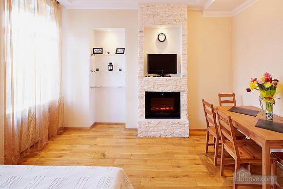 Романтична квартира біля Оперного театру, 1-кімнатна (48385), 006