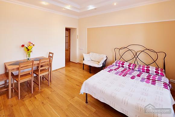 Романтична квартира біля Оперного театру, 1-кімнатна (48385), 008