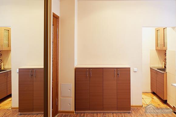 Романтична квартира біля Оперного театру, 1-кімнатна (48385), 013