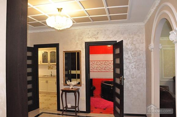 Затишна квартира в центрі, 2-кімнатна (51730), 007