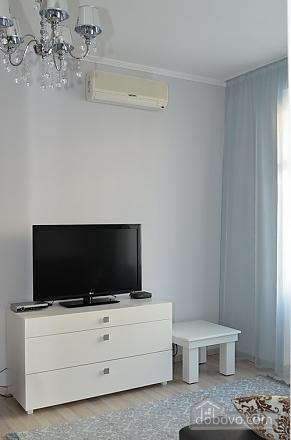 Квартира в центре города, 1-комнатная (93092), 003