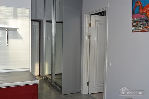 Квартира в центре города, 1-комнатная (93092), 005