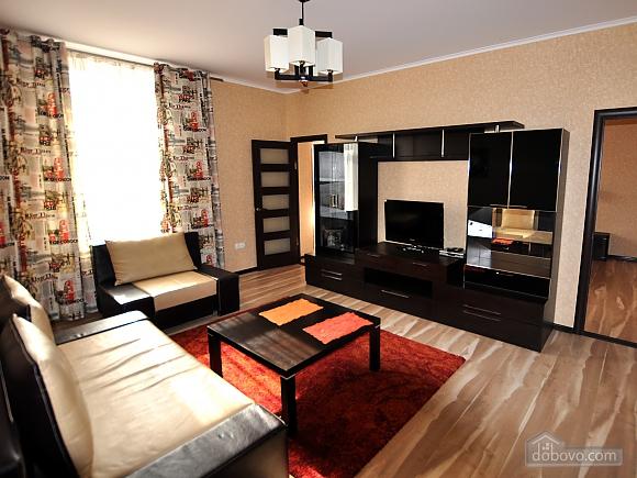 Квартира біля Міського саду, 2-кімнатна (28530), 001