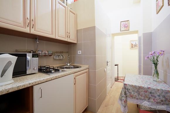 Квартира в центре, 1-комнатная (16719), 005