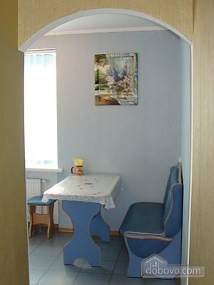 Квартира с евроремонтом возле стадиона, 1-комнатная (62174), 005