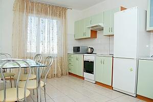 Снять квартиру посуточно на Позняках улица Гмыри, 2х-комнатная, 004