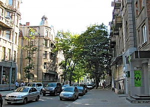 Near Polish embassy, Un chambre, 013