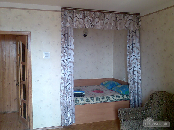 Apartment in Cherkassy center with a panoramic view, Studio (39758), 002