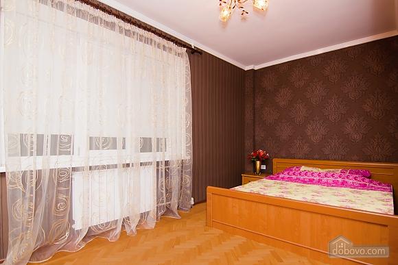 Квартира с хорошим ремонтом в центре Харькова, 2х-комнатная (77438), 001