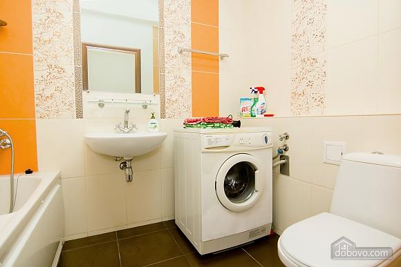 Квартира с хорошим ремонтом в центре Харькова, 2х-комнатная (77438), 010