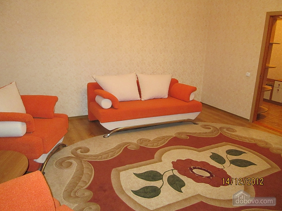 Apartment with new renovation in the central part of the city, Studio (69810), 002