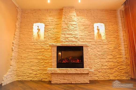 Apartment in the city center with fire place, Deux chambres (70381), 002