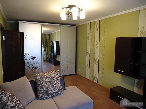 Квартира в центрі Маріуполя, 1-кімнатна (67973), 001