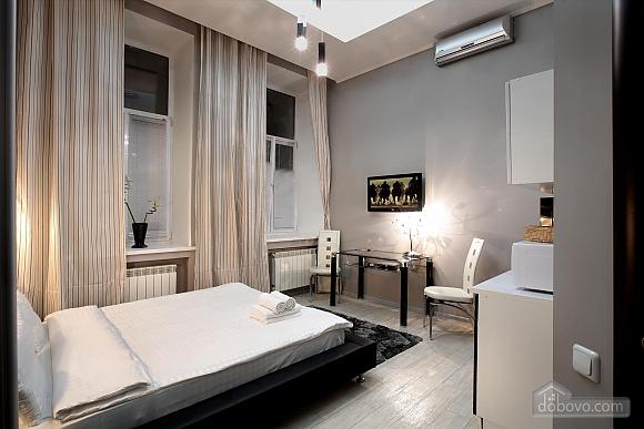 Apartment in the city center, Studio (22946), 002