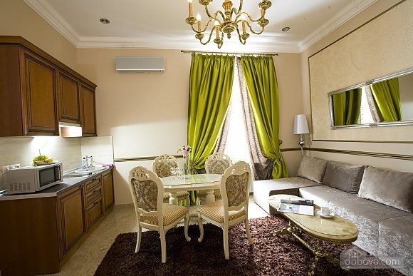 Luxury apartment in the center of Kiev, One Bedroom (17872), 002