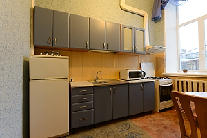 One bedroom apartment on Bohdana Khmelnytskoho (351), Un chambre, 004