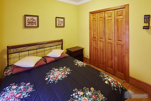 Квартира на площі Ринок, 2-кімнатна (23864), 003