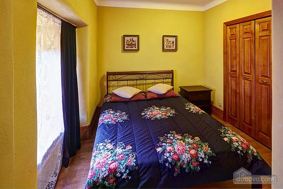 Квартира на площі Ринок, 2-кімнатна (23864), 001