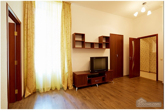 Cozy flat in the city center near the University, One Bedroom (65925), 002