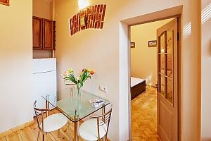 Квартира в центрі міста, 1-кімнатна, 003
