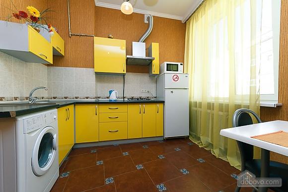 Видовая квартира в центре, 2х-комнатная (13632), 006