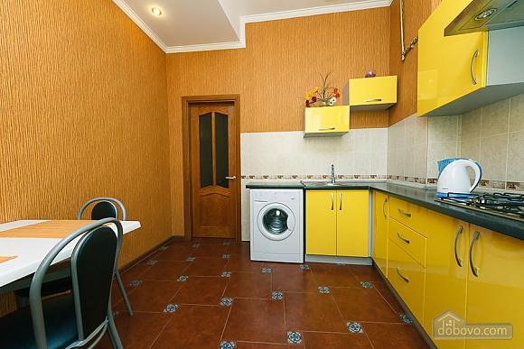 Видовая квартира в центре, 2х-комнатная (13632), 007