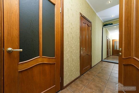 Видовая квартира в центре, 2х-комнатная (13632), 012
