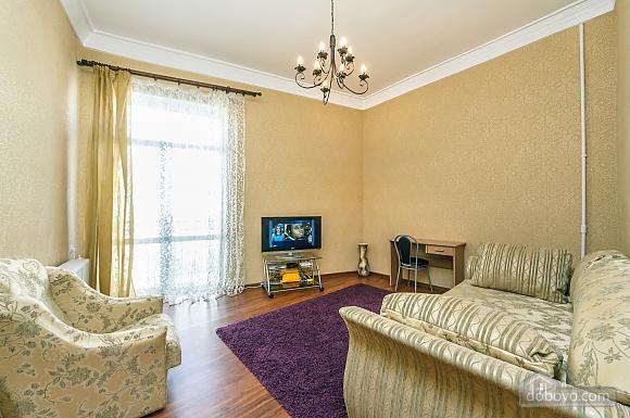 Видовая квартира в центре, 2х-комнатная (13632), 005