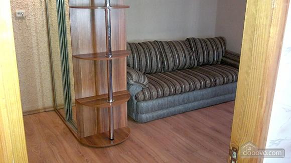 Хорошая квартира с ремонтом, 2х-комнатная (55069), 001