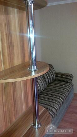 Хорошая квартира с ремонтом, 2х-комнатная (55069), 003