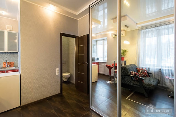 Apartment in Kharkov city center, Studio (37971), 008