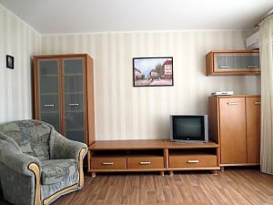 Светлая и уютная квартира, 2х-комнатная, 002