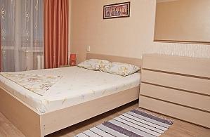Светлая и уютная квартира, 2х-комнатная, 001
