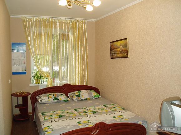 Затишна квартира в Приморському районі, 2-кімнатна (34876), 001