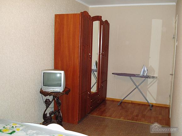 Затишна квартира в Приморському районі, 2-кімнатна (34876), 003