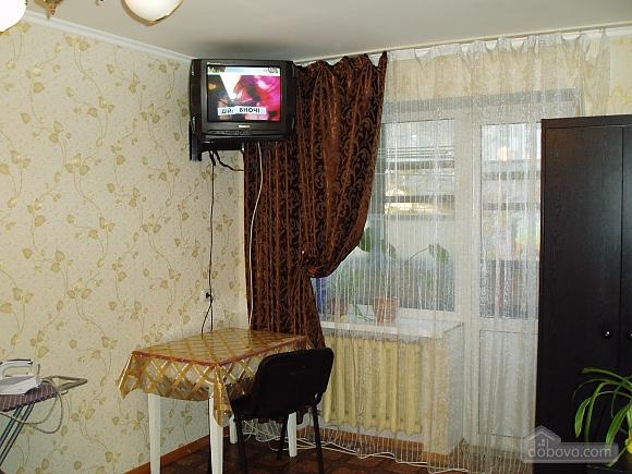 Затишна квартира в Приморському районі, 2-кімнатна (34876), 008